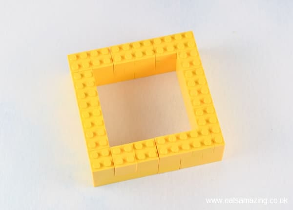 How to make a Lego snack plate - Step 1 build the compartments