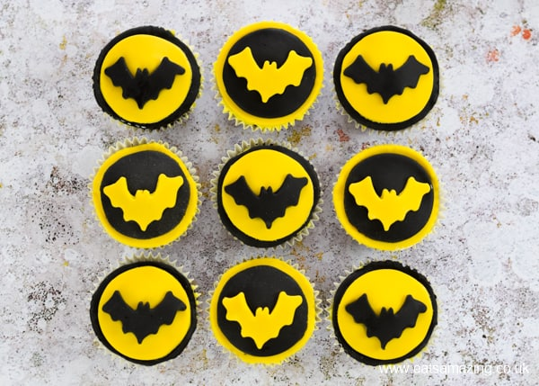 Batman cupcakes recipe with easy fondant icing cupcake toppers