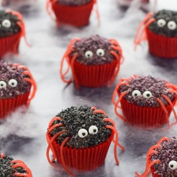 Fun spider cupcakes recipe - these yummy chocolate cupcakes are perfect for Halloween party food and treats