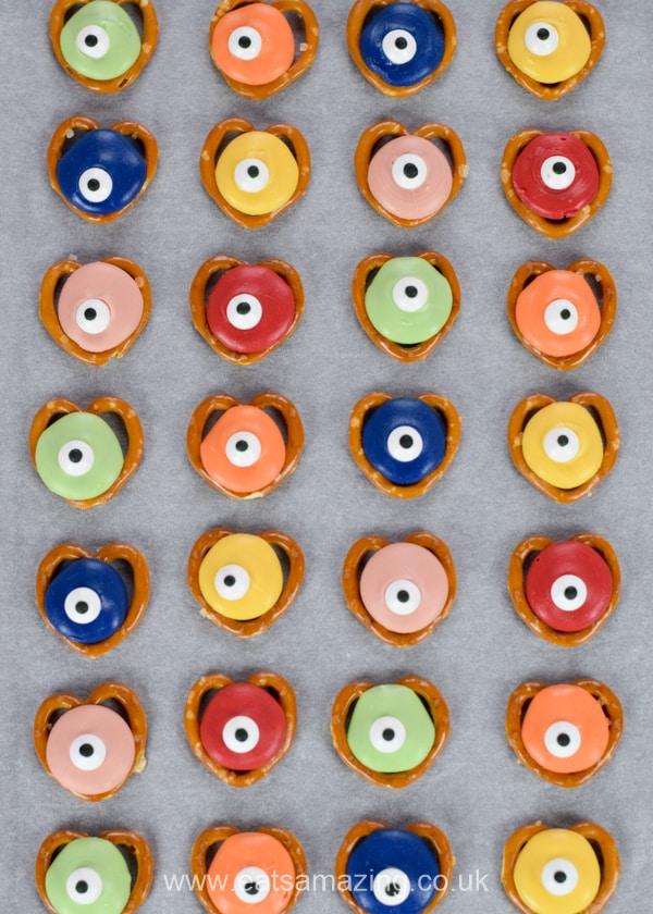 How to make monster pretzels - easy Halloween recipe for kids