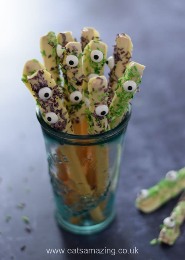 Monster edible wands - fun and easy Halloween recipe for kids that makes great spooky party food