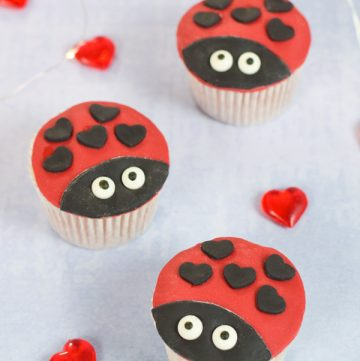 Cute and easy love bug cupcakes recipe - perfect for kids party food and Valentines baking with kids