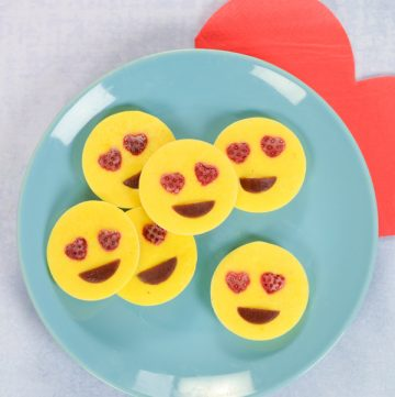 Cute love emoji frozen yogurt bites - fun and easy recipe for kids that is great for snacks or a healthy dessert