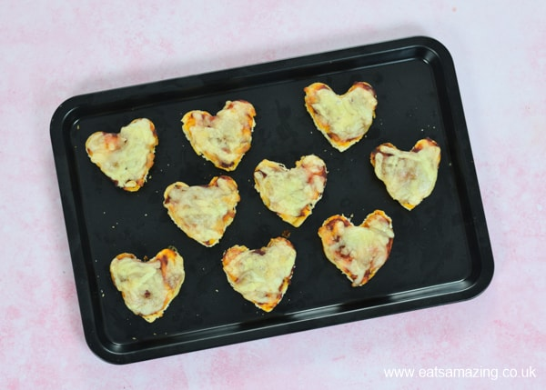 How to make super quick pizza bites from leftover naan bread - easy recipe for kids