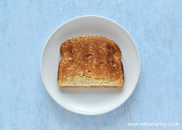 How to Make Beans on Toast - Step 3 toast the bread until golden brown