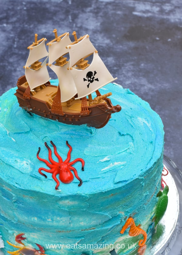 How to make a fun pirate themed cake - perfect for a pirate birthday party