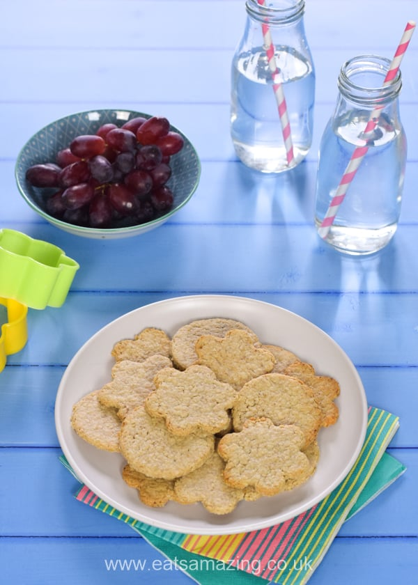 How to make quick and easy cheese oatcakes - easy recipe for kids with free printable child-friendly recipe sheet
