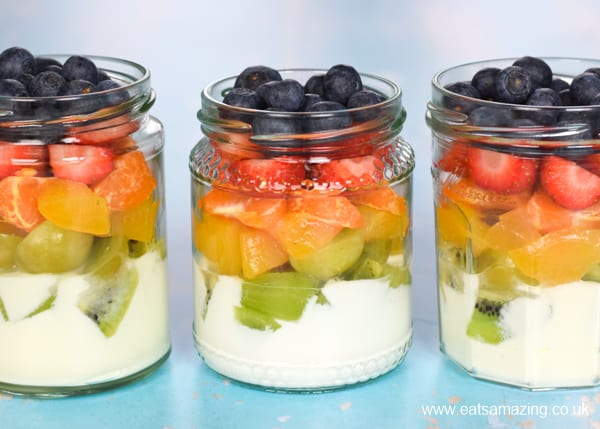 How to make a Rainbow Fruit Salad in a Jar - fun and healthy rainbow recipe for kids