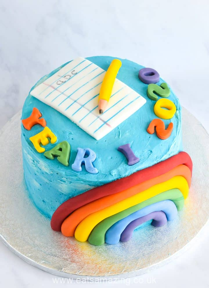 How to make a fun rainbow cake for the end of the school year