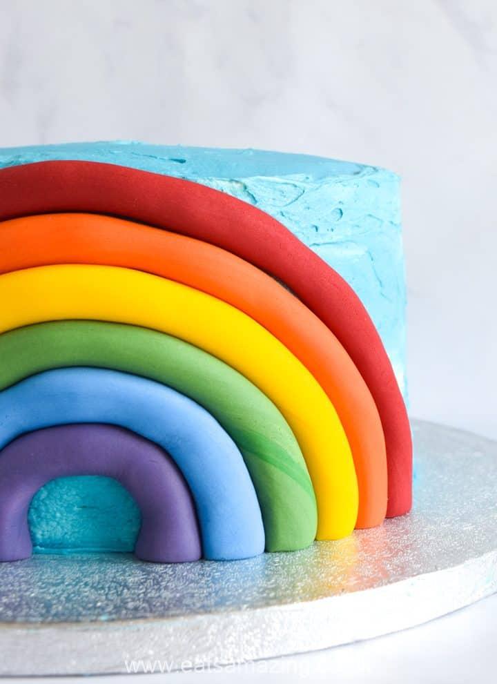 How to make an easy rainbow fondant cake decoration
