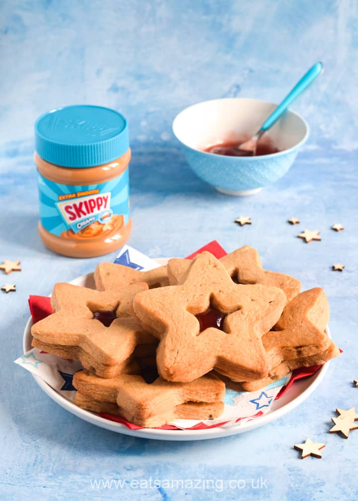 How to make gorgeous peanut butter jelly star cookies with SKIPPY peanut butter - perfect to celebrate the 4th July