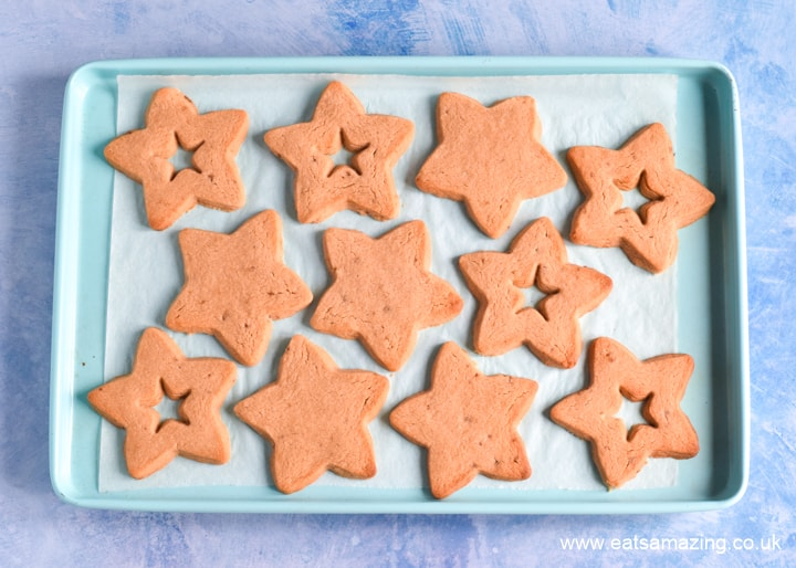 How to make peanut butter jelly star cookies - step 4 bake until golden