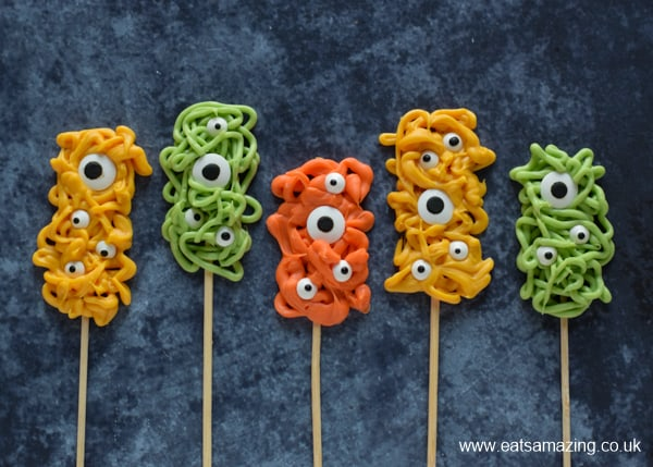 Awesome Halloween monster pops - super easy Halloween recipe for kids to make