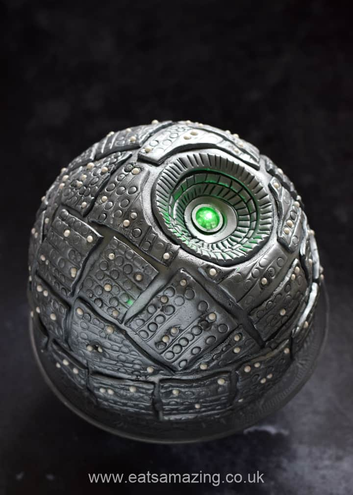 How to make an awesome Star Wars Death Star Cake - full ball cake recipe and step by step photo instructions