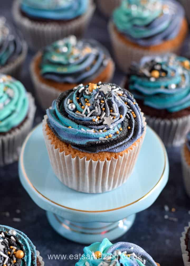 Super easy Galaxy Cupcakes recipe - perfect for Star Wars themed party food
