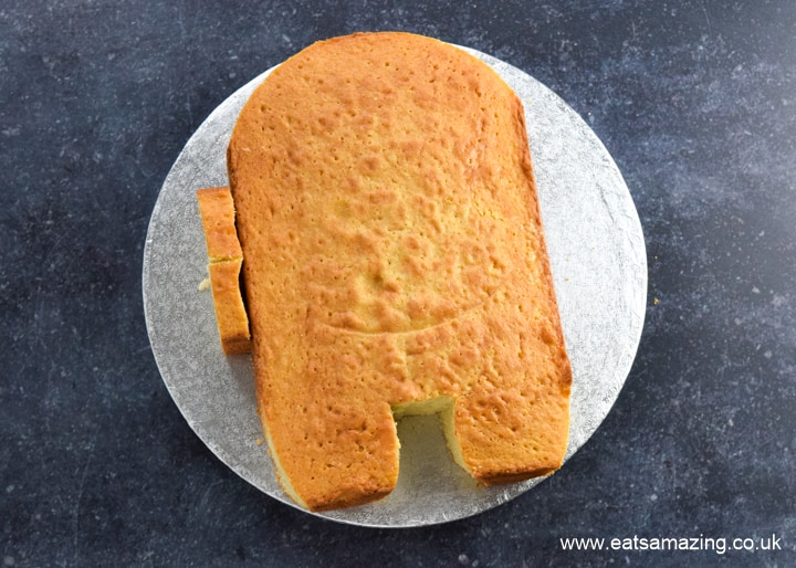 How to make an easy Among Us Crewmate Cake - step 4 use cake offcuts for the rectangle backpack