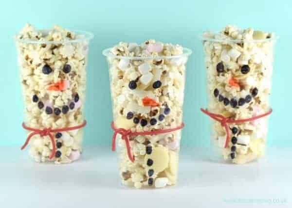 Fun Food Idea - Snowman snack cups recipe for kids - great for winter themed party food