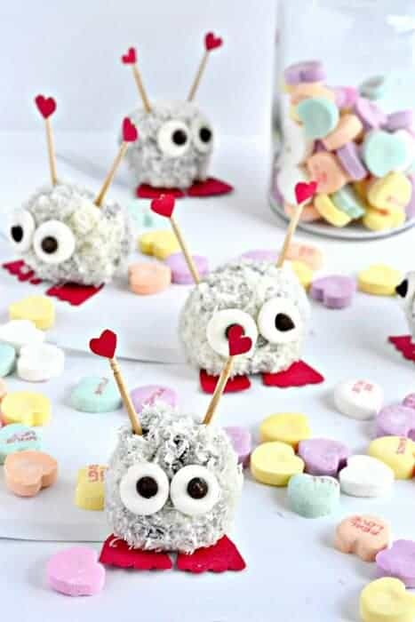 Fun Valentines food ideas for kids - super cute Love Bug Bites from Fork and Beans