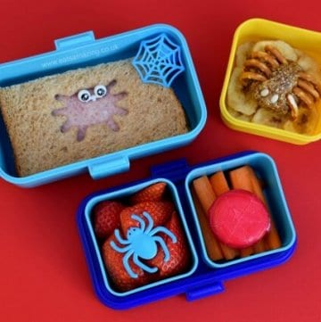 Fun and easy spider bento lunch for kids in the Monbento Tresor bento box - great for Halloween food ideas - Eats Amazing UK