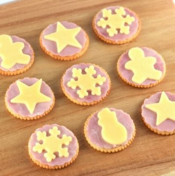 Ham and cheese Christmas crackers - fun party food idea for kids this festive season