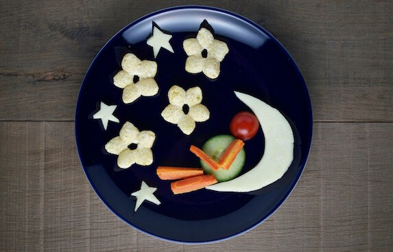 Organix Man in the Moon fun food art plate with full instructions - healthy fun food for toddlers and babies