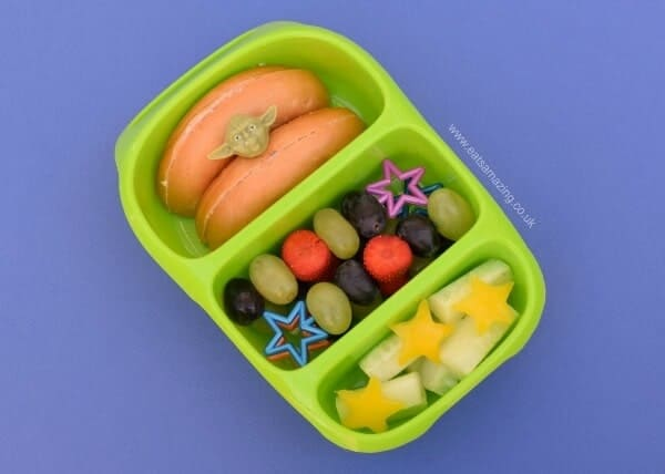 Simple Star Wars theme lunch in the Goodbyn Bynto Bento Box - great lunch box for kids from the Eats Amazing UK Bento Shop