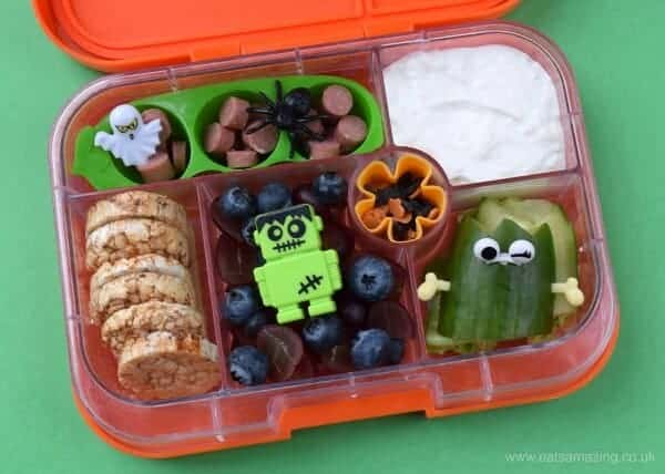 Super easy Hallowen lunch idea for kids in the Yumbox UK bento box from EAts Amazing UK