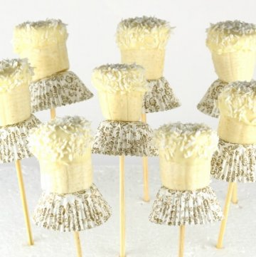 Super simple banana ballerinas -a great treat for a nutcracker or ballet themed party for kids